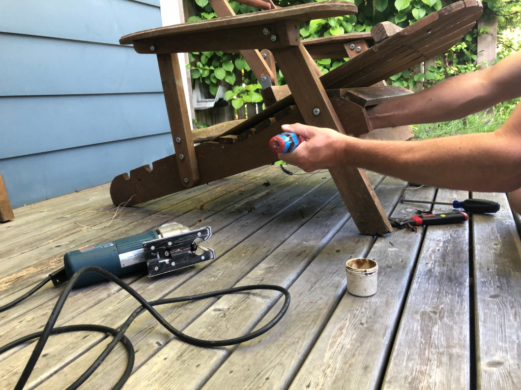 after-the-rain.org / Fixing an old chair